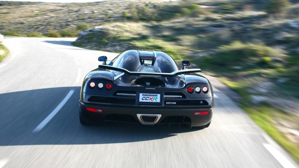 Speeding Car Wallpaper