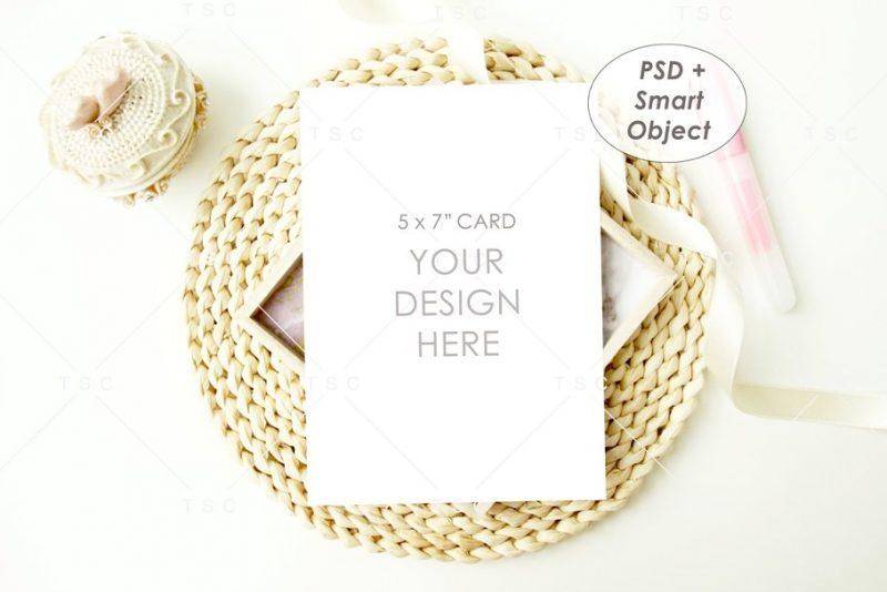 5 x 7 Menu Card Mockup PSD