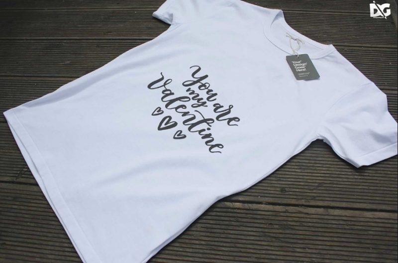 Minimal White T Shirt Mockup PSD