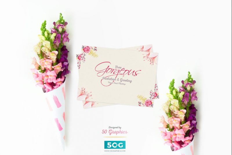 Paper Greeting Cards Mockup PSD
