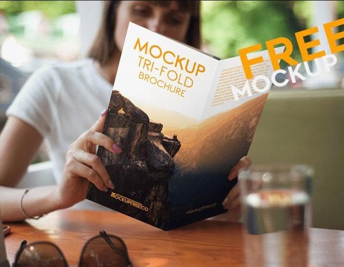 Realistic Tri Fold Brochure Mockup