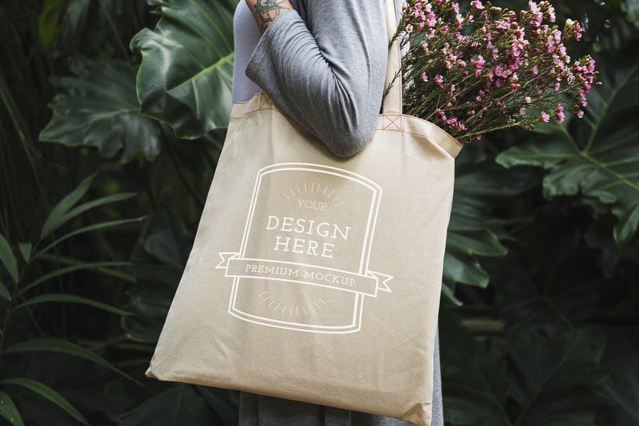 Woman Tote Bags Mockup