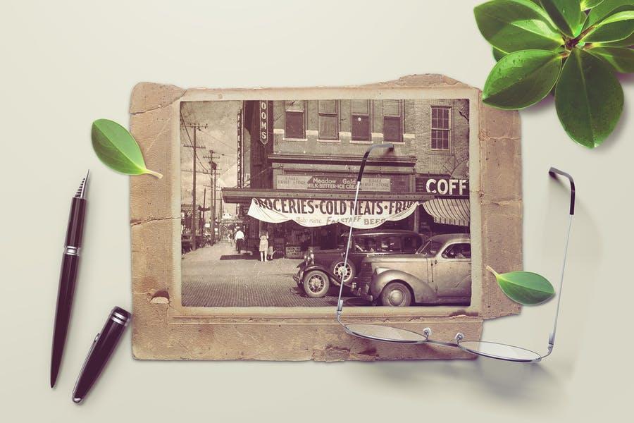 Vintage Photo Mockups PSD